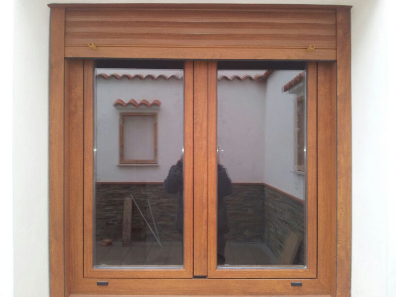 ventana-abatible-dos-hojas-ral-madera